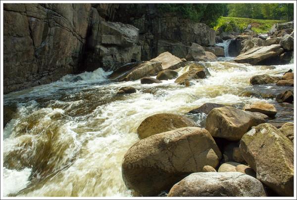 Flume Falls