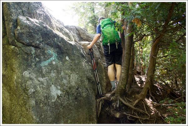 Boulder Scramble to Summit of Mount Jo
